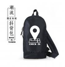 日系多功能-潮流斜背包(CHECK IN)